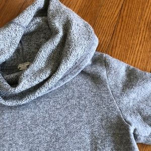 Gray heather Cowl neck sweatshirt 😍